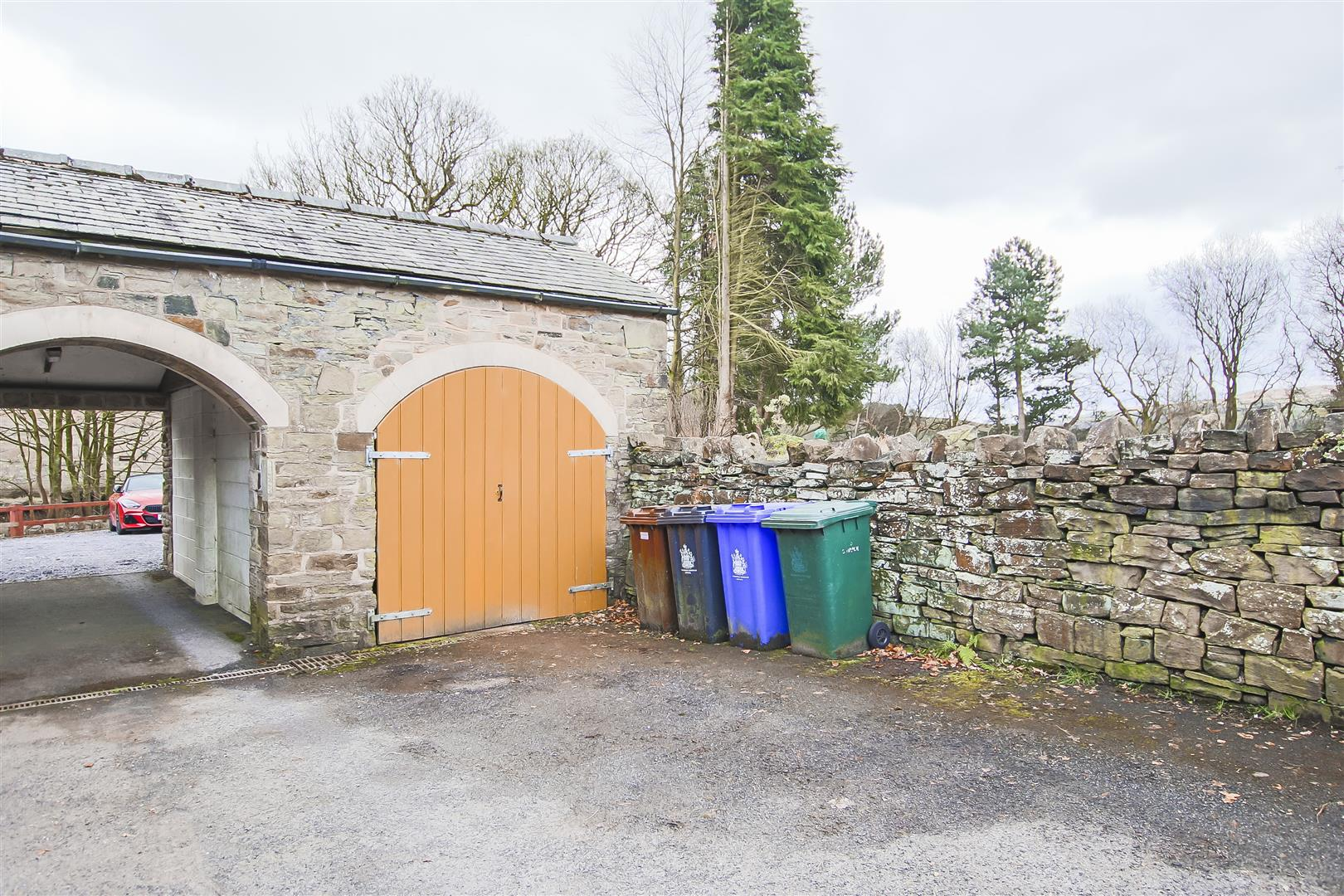 4 Bedroom Farmhouse For Sale - Image 45